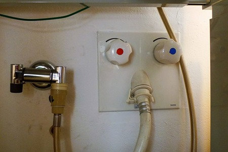 洗濯機のカビ掃除に使うお湯