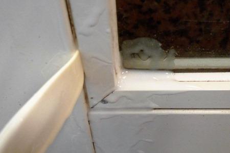 お風呂のカビ取り方法漂白剤と片栗粉
