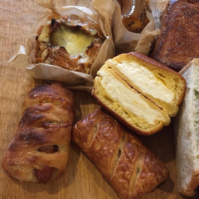 大人気のパン屋さん バケットラビット ps純金 ゴールド