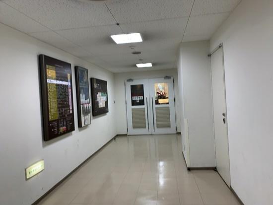 タワーズ駐車場からタカシマヤ名古屋への入り口