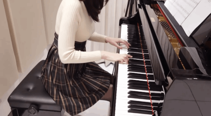 Panpiano(パンピアノ)の素顔が美人すぎた!カップ数や年収についても解説!