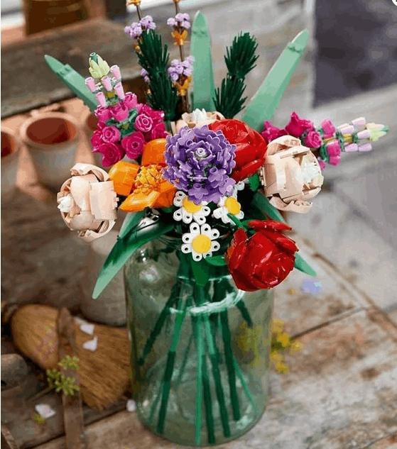 レゴのフラワーブーケに合う花瓶